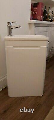Bathroom/toilet slim wall hung unit white gloss with sink and tap new