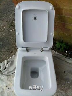 Toilet. Wallhung. Porcelanosa. Ex-display
